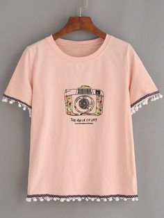 Pink Pom Pom Trim Camera Print T-shirt 2019 – Sommerkleider Trend 2019 Teen Fashion Outfits, Girl Outfits, Fashion Dresses, Cute Outfits, Cheap Shirts, Cute Shirts, Lange T-shirts, Mode Grunge, Vetement Fashion