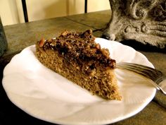 Fragrant and delicious! Grain-free coffee cake topped with crumbly cinnamon pecan streusel.