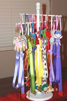 43 Ideas Hair Accessories Display How To Make Hair Accessories Holder, Accessories Display, Bow Accessories, Making Hair Bows, Diy Hair Bows, Ribbon Hair, Ribbon Bows, Barrette, Hair Bow Display