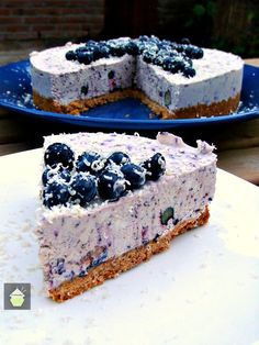 No Bake, Blueberry and White Chocolate Cheesecake... a creamy piece of deliciousness!  This recipe is a simple, No Bake, Blueberry and White Chocolate Cheesecake... a creamy piece of deliciousness! It's packed with Fresh Blueberries & White chocolate, and I have not added any sugar as I have relied on the natural sugars in the blueberries and also the white chocolate. A really creamy fresh tasting No Bake cheesecake, sure to please your diners! The balance of flavours and textures is...
