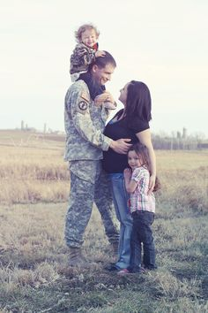 Military Pre-Deployment Family Session