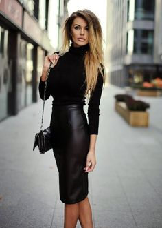 Trending Pencil Skirt Outfits Ideas for Work 33 - Minna - Modetrends Looks Street Style, Looks Style, Looks Cool, Fashion Mode, Work Fashion, Fashion Outfits, Fashion Trends, Fashion Ideas, Petite Fashion