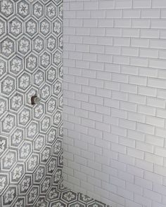 Another beautiful shower design using my precious Flower Hexagon water-jet mosaic and the classics white beveled subway tile. White Beveled Subway Tile, Marble Subway Tiles, White Marble, Outdoor Candle Holders, Shower Tile Designs, Tiles Price, White Shower, Hexagon Tiles, Jet