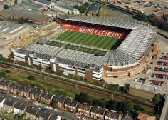 1992 - An aerial view after the demolition of the Stretford End Clubs In Manchester, Manchester United Football, Man Utd Fc, Eric Cantona, Sir Alex Ferguson, Premier League Champions, Retro Football, Salford, Football Pictures