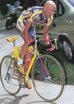 """"""" Vedete, quel giorno sull' Alpe D'Huez ho vinto di rabbia, soffrendo. Sono andato a fondo di me stesso.  Potevo scoppiare e lo sapevo, ma ho voluto ugualmente rischiare.  Scattando, tornante dopo tornante, mi dicevo: o vinci o muori.. Alla fine ero stremato , ma ho vinto   Questo era #Pantani  #PersonalTrainerBologna #MarcoPantani #ciclismo #ciclista #sport #sportivo"""