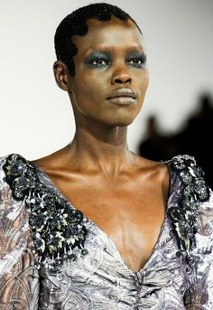 Beauty at Marc Jacobs Fall/Winter 2016 Ready to Wear at NYFW posted by fatalscroll