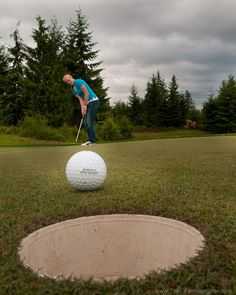 golf picture idea... maybe with 2014 on the gold ball