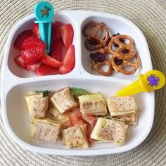 Swimming this morning = quick fun lunch!  Strawberries / pretzels and dried cranberries / wheat flatbread with eggs, peppers, spinach, olives, tomatoes, onion, and cheese. #bigbossledweaning #bigbossbites #blw #babyledweaning #18months #replayrecycled #toddlerfood #toddlerbites #toddlermeals #babymeals #toddlers #recycled #kids #pickease #pickeasefun #pickeaseplease #funwithfood #springbreak #swimmingday #yum #yumr #yummy #Eeeeats #feedfeed
