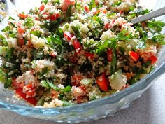 Pyszna sałatka z kuskusem Fried Rice, Cobb Salad, Fries, Salads, Ethnic Recipes, Food, Essen, Meals, Nasi Goreng