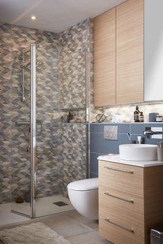 Besoin d'une pause ? Relaxez-vous et découvrez les inspirations de notre Guide salle de bains 2018 ! #leroymerlin #interiorinspiration  #madecoamoi #homedesign #bathroom