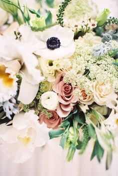 Centerpiece in Pastel Colors | photography by http://jamieraephoto.com