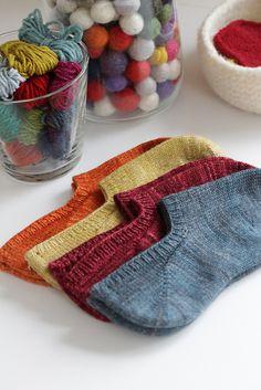 Ravelry: Kazyuk Footie-Socken You searched for footie - Knitting 2019 trend Crochet Socks, Knitted Slippers, Knit Or Crochet, Slipper Socks, Knit Socks, Free Crochet, Loom Knitting, Knitting Socks, Hand Knitting