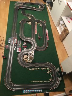 Slot Car Race Track, Ho Slot Cars, Slot Car Racing, Slot Car Tracks, Race Cars, Race Tracks, Scalextric Track, Karting, Courses