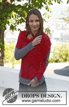 """Celebrate DROPS Alpaca Party with:  Knitted DROPS shawl with lace pattern in """"Lace"""". ~ DROPS Design"""
