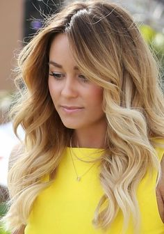 the streaks of honey mixed in with the bleach blonde in the middle.Warm ,honey-streaked locks are stunning at any time of entire year , however this rich caramel tone is great for sunny weather.