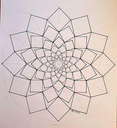 Geometric Drawing, Geometric Mandala, Geometric Designs, Mandala Design, Mandala Art, Geometric Shapes, Geometric Nature, Flower Mandala, Fractal Geometry