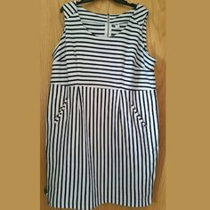 Old Navy Plus Size 2X Navy Blue & White Dress This Old Navy Plus Size 2X Navy Blue & White Dress is in great used condition. It has pockets and an exposed zipper back. Such a classic print for creating nautical or All American looks...just add red accessories. Not stretchy. This fabric has a nice weight to it and some stretch. Bust measures 23 inches across laying flat, measured from pit to pit, and has some stretch. 39 inches long. ::: Bundle 3+ items from my closet and save 30% off when…