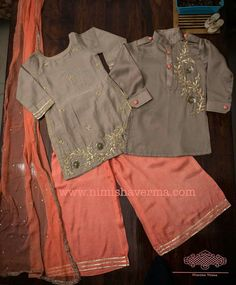 #pintrest@Dixna deol Baby Boy Dress, Dresses Kids Girl, Kids Outfits Girls, Girl Outfits, Stylish Little Boys, Kids Blouse Designs, Fancy Dress Design, Kids Suits, Chic Outfits