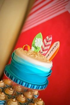 Teen Beach Movie Birthday Party cake! See more party ideas at CatchMyParty.com! Ocean Birthday Cakes, Ocean Cakes, Luau Birthday, Hawaiian Birthday, Summer Birthday, Hawaiian Luau, Birthday Ideas, Surf Cake, Surfboard Cake