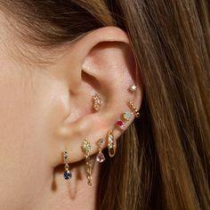 Ear Jewelry, Cute Jewelry, Jewelry Accessories, Jewlery, Pretty Ear Piercings, Different Ear Piercings, Ears, Drop Earrings, Tattoos