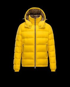 Discover BRIQUE for Men  find out the product features and shop directly  from the Moncler 89bd0aee5e3