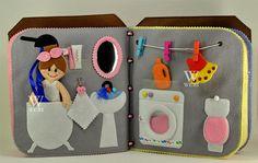 Livre de la maison de poupée / 12 pages / feutre livre /