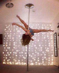 Invert my side to elbow raven #ineedmorehoursinaday Outfit love: @vekkerla #vekkerla Song: Angel by the Wings - #sia ••• #polefitness #aerialist #xpoleus #myescape #ineedavacation #justkeepswimming #poledance