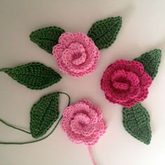 Crochet Rose bookmark free pattern in Swedish.use Translator. Roses Au Crochet, Crochet Puff Flower, Crochet Flower Patterns, Crochet Designs, Crochet Flowers, Crochet Stitches, Crochet Baby Cocoon, Diy Crochet, Crochet Bracelet