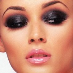 Rich #Smokey #Eyes with Pale Pink Shimmer Gloss