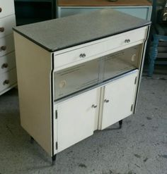 Retro #vintage #kitchen cabinet #circa 1950's.,  View more on the LINK: http://www.zeppy.io/product/gb/2/322093026396/