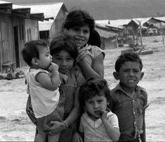 The first repatriation of refugees from the Mesa Grande camp in Honduras, returning to El Salvador through the El Poy border in October 1987