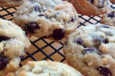 Chip Cookie Recipe, Cookie Recipes, Dead Drop, Coconut Biscuits, Drop Cookies, Muffin, Good Food, Chips, Cookies
