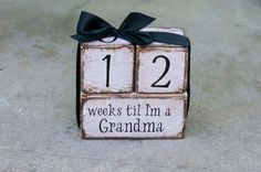 Weeks til I'm a grandma wooden block van KellieAnnCreations op Etsy