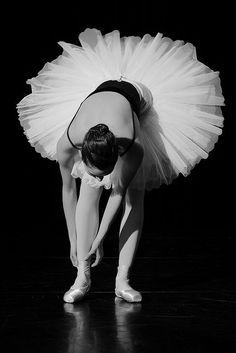 bailarinas de ballet clasico en puntas en blanco y negro - Buscar con Google