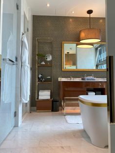 ROSEWOOD BANGKOK - Updated 2020 Prices & Hotel Reviews (Thailand) - Tripadvisor Marriott Hotels, Hotels And Resorts, Rosewood Hotel, Ambassador Hotel, All Flights, Hotel Stay, Business Centre, Hotel Suites, Sleep Quality