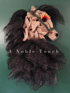Made to Order Horse Head Wreaths by A Noble Touch! Get one of these lovely horses to hang on your door, in a room, or in your barn! Halter and Bridles will vary in color and size. Its a MUST have for Horse Lovers! The body will be done with tan burlap, unless another option is picked. If you would like more of a summer/fall look, I will use the center of a flower for the eye, if you want more of a winter look, I will use the snowflake. I have basic colors listed for the horses mane and b...