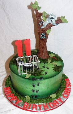 Coon hunting cakebuttercream icing with rolled fondant