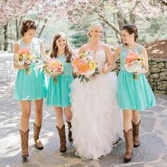 Country Mint Lace Top Chiffon Short Bridesmaid Dresses with Cowboy wedding dresses with boots mom Country Mint Lace Top Chiffon Short Bridesmaid Dresses with Cowboy Western Bridesmaid Dresses, Turquoise Bridesmaid Dresses, Summer Bridesmaid Dresses, Prom Dress, Country Wedding Dresses, Dream Wedding Dresses, Country Girl Dresses, Wedding Country, Country Outfits