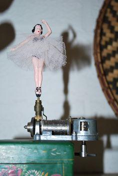 Vintage Ballerina Music Box Switzerland Wind Up by Meandtree, $10.00
