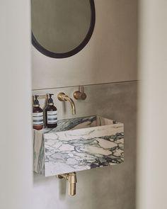 Green Kitchen Interior, Gray Interior, Peaceful Bedroom, Wooden Bath, Jewellery Showroom, Clay Houses, Tadelakt, Japanese Interior, Natural Building