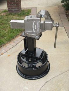 Wilton Vise, Jaws 1, Welding Projects, Welding Art, Expedition Truck, Blacksmith Tools, Bench Vise, Tool Shop, Garage Tools