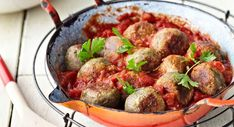 Veggie meatballs in tomato sauce Vegan Vegetarian, Vegetarian Recipes, Healthy Recipes, Healthy Food, Spinach Burgers, Veggie Meatballs, Algerian Recipes, Algerian Food, Good Food