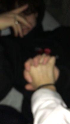 Teen Couple Pictures, Couple Goals Teenagers, Cute Couples Photos, Boyfriend Pictures, Cute Couples Goals, Boyfriend Boyfriend, Holding Hands Pictures, Girls Holding Hands, Hand Pictures