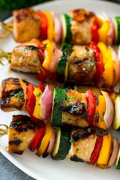 Grilled chicken kabobs with peppers, onion and zucchini. Grilled chicken kabobs with peppers, onion and zucchini. Chicken Kabob Recipes, Grilled Chicken Skewers, Grilled Salmon Recipes, Marinated Chicken, Recipe Chicken, Oven Chicken, Cacciatore, George Foreman, Teriyaki Chicken