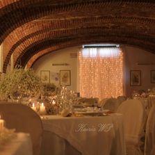 Tende luminose per allestimento sala da pranzo matrimonio | Wedding designer & planner Monia Re - www.moniare.com | Organizzazione e pianificazione Kairòs Eventi -www.kairoseventi.it
