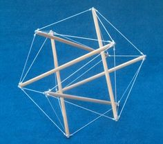 A tensegrity well-known The most well-known tensegrity is probably this icosahedron-tensegrity which is made by many enthousiastic tensegri...