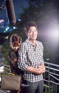 Kim Rae Won nd Park Shin Hye # Doctors, a Korean drama Doctors Korean Drama, Netflix, Kim Rae Won, Drama 2016, Park Shin Hye, Song Joong Ki, Gong Yoo, Korean Actors, Korean Fashion