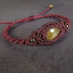 Macrame Bracelet Boho Bracelet Gold Rutilated Quartz por neferknots