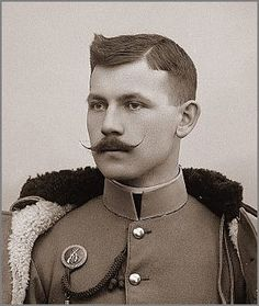 Tastefully matched hair flare and moustache. Cthulhu, Vintage Beauty, Vintage Men, Vintage Photographs, Vintage Photos, Growing A Mustache, Mustache Styles, Great Beards, Men In Uniform