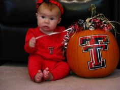 Great Texas Tech halloween photo idea! or any college team, including the Nebraska Huskers